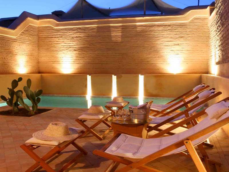 Riad dar housnia book dar housnia riad in marrakech for Riad marrakech piscine