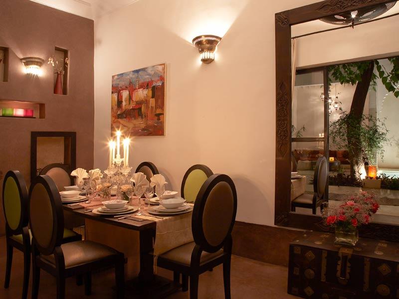 Riad davia book riad davia riad in marrakech hotels ryads for Chaise salle a manger vert anis