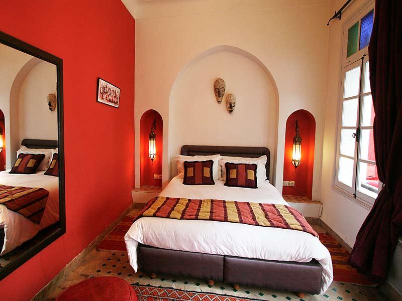 Riad la maison rouge book la maison rouge riad in for Chambre 13 maroc